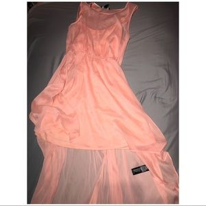 Brand new peach colored high low forever 21 dress